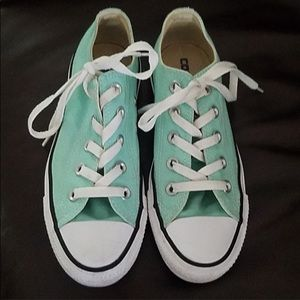 Mint green converse all stars sneakers size 6